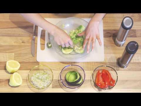 LaVita | Avocado-Brot mit Paprika und Sprossen (Rezept)